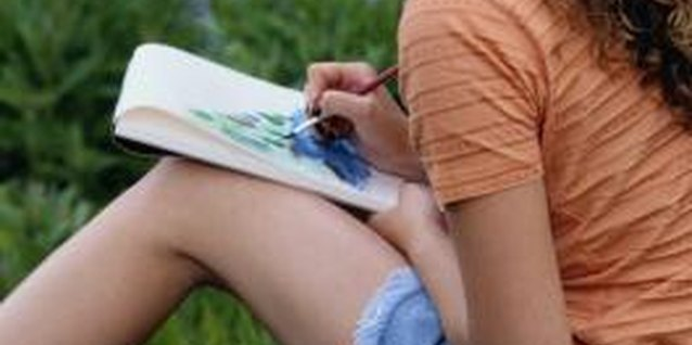Activities to Help a Teen Girl Express Herself