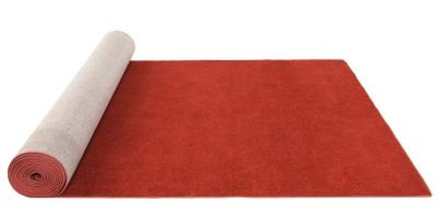 Color Help for a Room With a Red Carpet