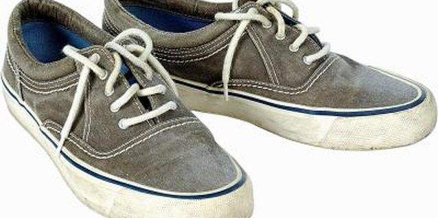 How to Clean Dry-Erase Marker Off of Canvas Shoes