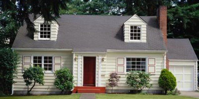 How to Avoid Lap Marks When Painting Vinyl Siding