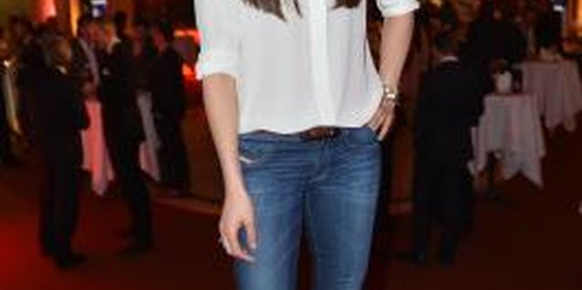 What Kind of Jeans Go With a White Top?