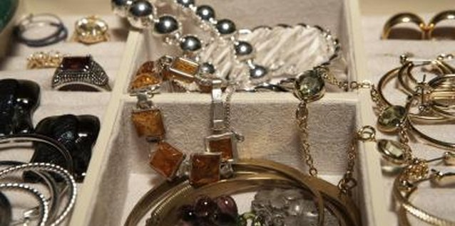 Pairing Jewelry With a Brown Dress