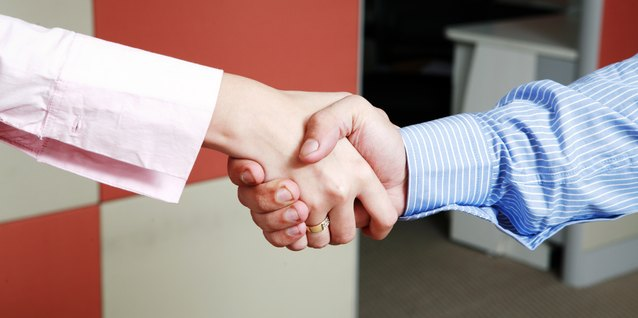 ¿Cuáles son los beneficios de las buenas habilidades de resolución de conflictos?