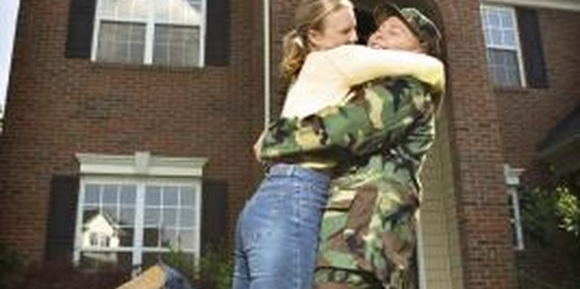 How to Deal With Missing Your Wife or Girlfriend While in the Army