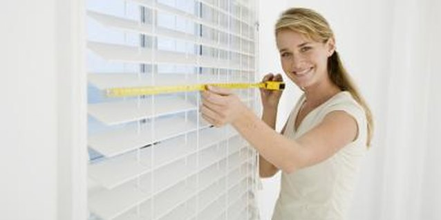 Take accurate measurements of the window before you choose the sheet.