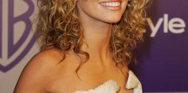 Actress AnnaLynne McCord's angel curls come naturally, but you can replicate the look with a curling iron.