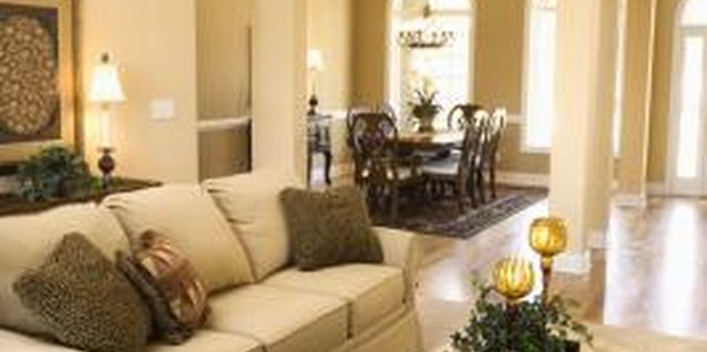 How to Make a Small Living Room Look Cozy and Not Cluttered