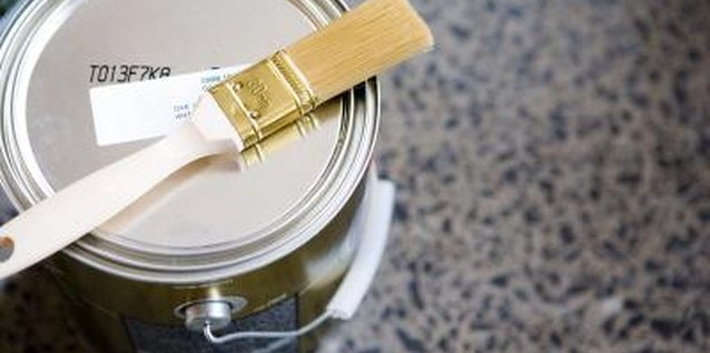 How to Paint a High-Gloss Finish on Stained Furniture