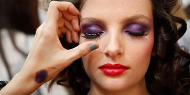 Bold, saturated hues are fashionable for prom eye makeup.