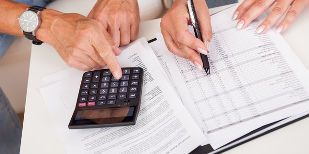 How to Calculate How Much Tax to Take Out of a Retirement Check