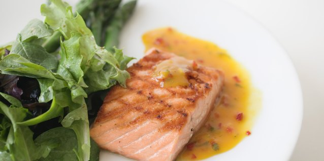 How to Cook Salmon in Pineapple Juice