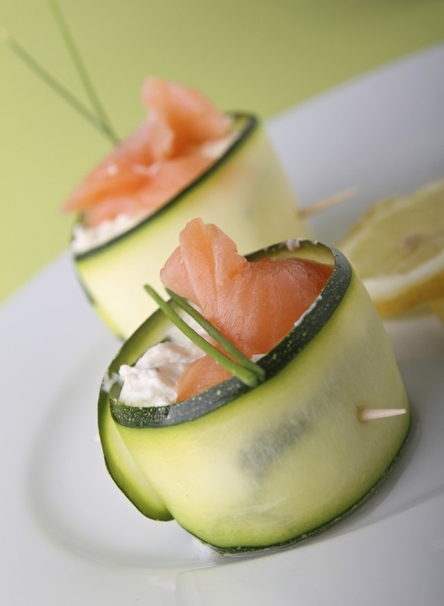 zucchini roll with salmon