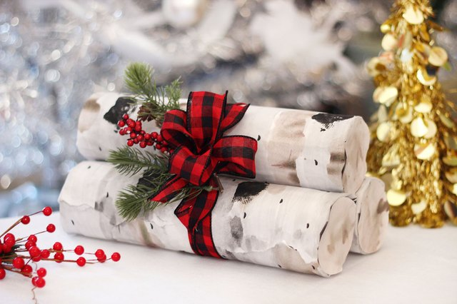 DIY Pile of Logs Gift Wrap