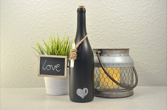 An image of the chalkboard wine bottle.