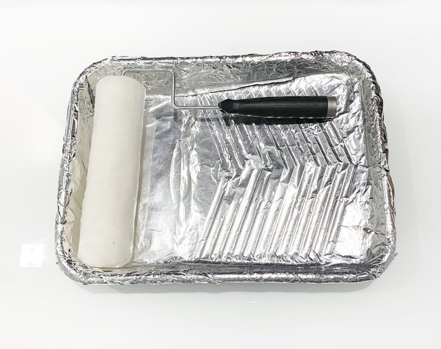 Reusable paint tray