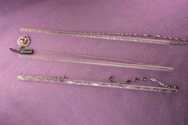 An image of necklace packing hack
