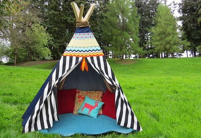 DIY no-sew backyard tent in colorful fabrics