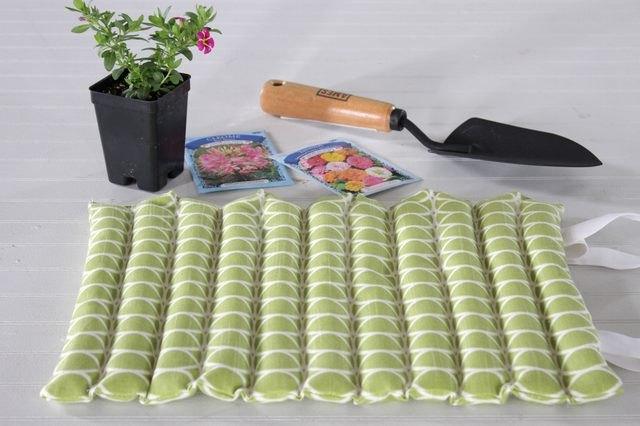 Green kneeling pad for working in the garden