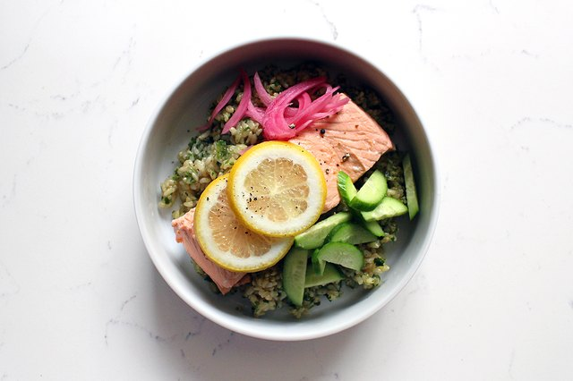 salmon rice bowl with pesto