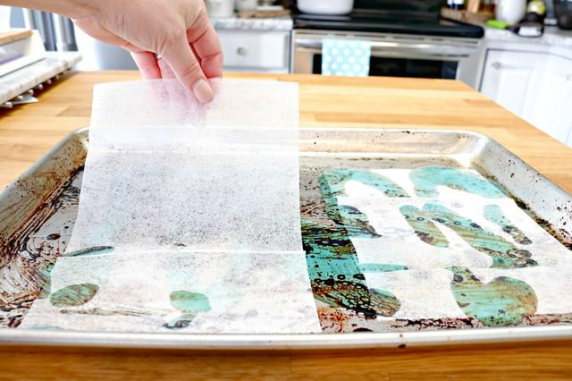 Dryer sheets can be used to clean baked-on grime