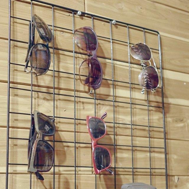 Wire Grid Sunglasses Organizer