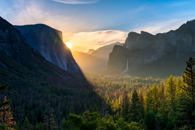 Tunnel View Point at Yosemite National Park