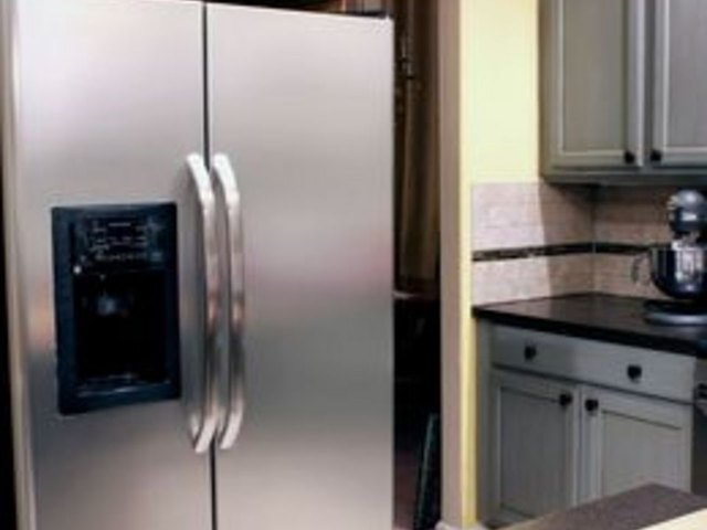 Attrayant How To Clean A Stainless Steel Fridge