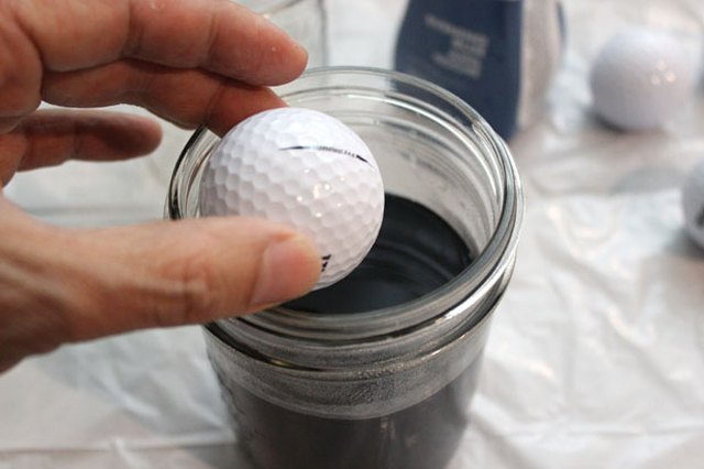 3 Creative Ways To Personalize Golf Balls For Your Favorite Links