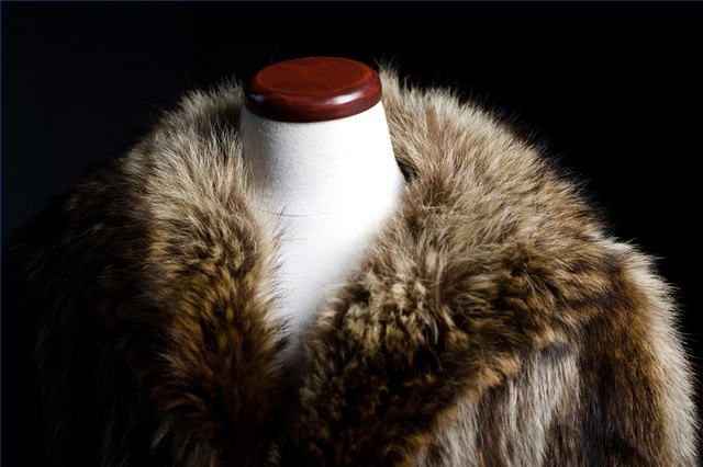 Remove Odor From a Fur Coat