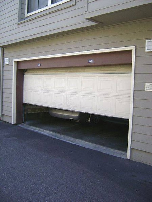How To Fix A Sagging Door >> How To Fix A Sagging Garage Door Ehow