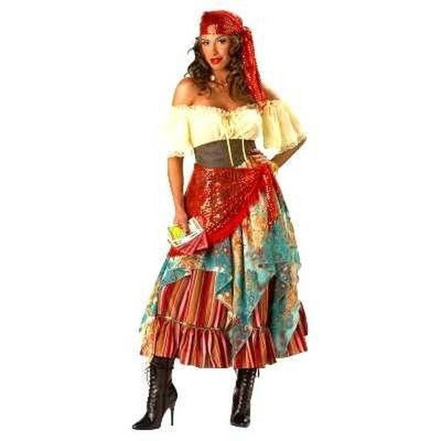 87563a2369 How to Make a Traditional Gypsy Dress