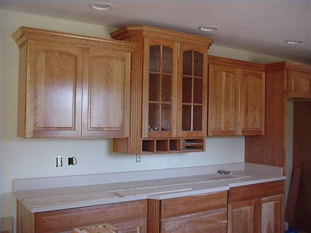 How To Cut Crown Molding For Kitchen Cabinets Ehow