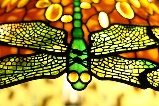Repair A Tiffany Gl Lamp Shade The Dragonfly Pattern Was Favorite Of S