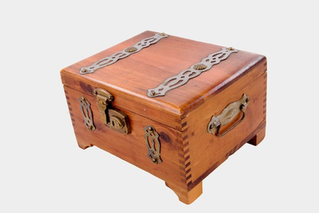Craft Ideas For A Wood Cigar Box Ehow