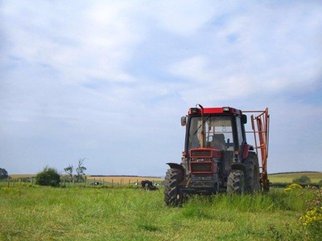 706 International Farmall Tractor Specs   eHow