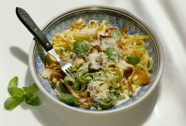 Paglia e fieno (green and white ribbon pasta), Italy