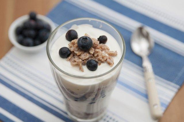 Blueberry Yoghurt Parfait with granola