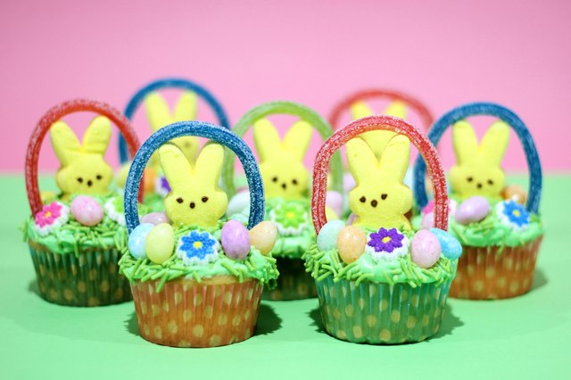 Diy easter basket cupcakes ehow image jonathan fong negle Images