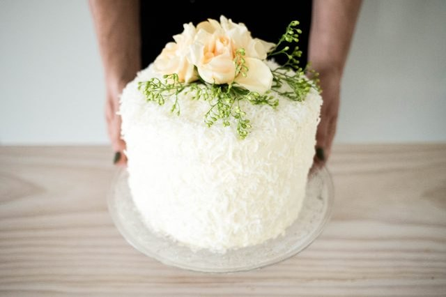 This light and airy cake harmoniously brings together the flavors of fresh milk, cream and coconut.