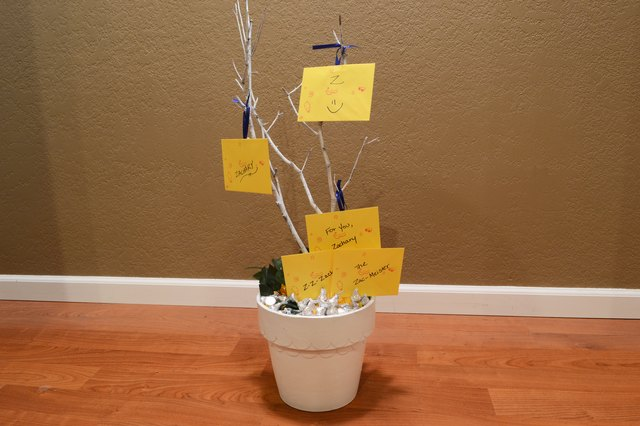 How To Make A Gift Card Tree With Pictures Ehow