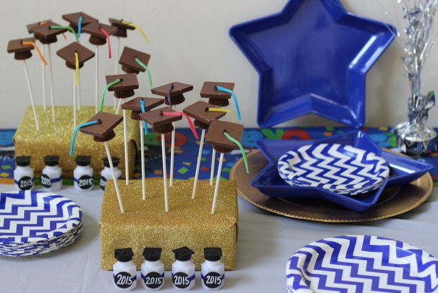 Graduation cap chocolate pops.