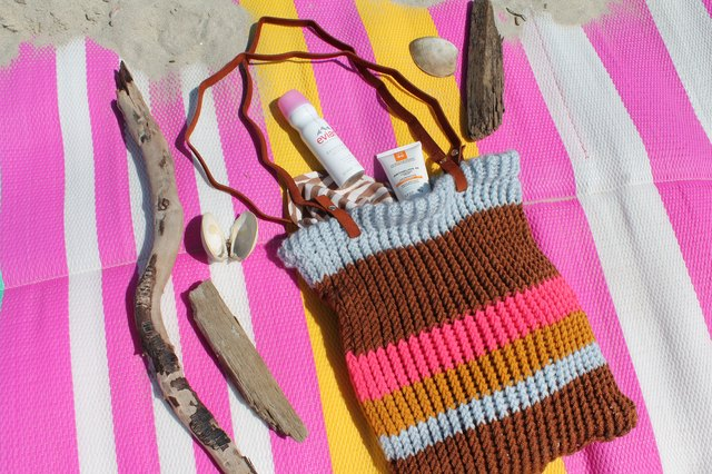 How to Knit a Bag on a Loom | eHow