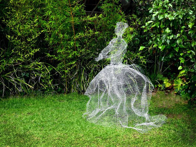 How To Make Chicken Wire Ghosts Ehow