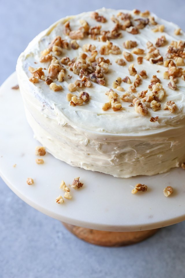 Garnish your carrot cake