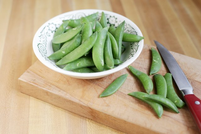 English or green peas and edible pea pods are frozen in the same way, which requires very little effort and allows you to enjoy fresh peas throughout the ...