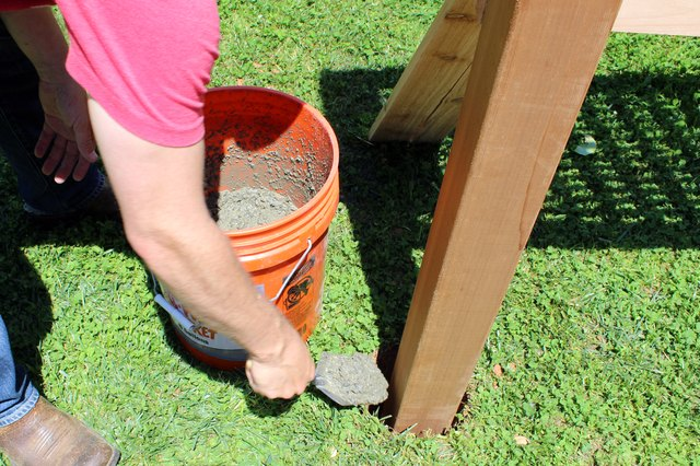 how to build a privacy screen outdoor
