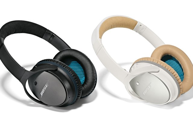Reduce the noise around you with Bose QC®25 headphones.