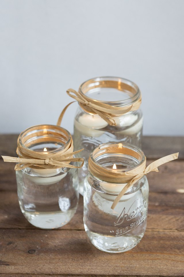 Mix up your design by using different vases like Mason Jars.