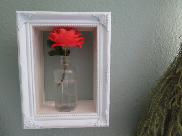 How to Make Shadow Box Frames | eHow