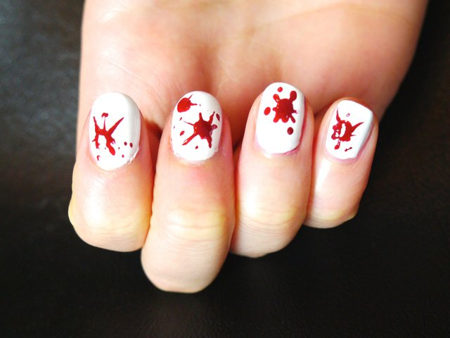 Halloween blood splatter nail art ehow single blood splat technique prinsesfo Image collections